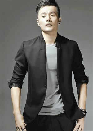 认识李荣浩吗?很新的人很黑的马图片