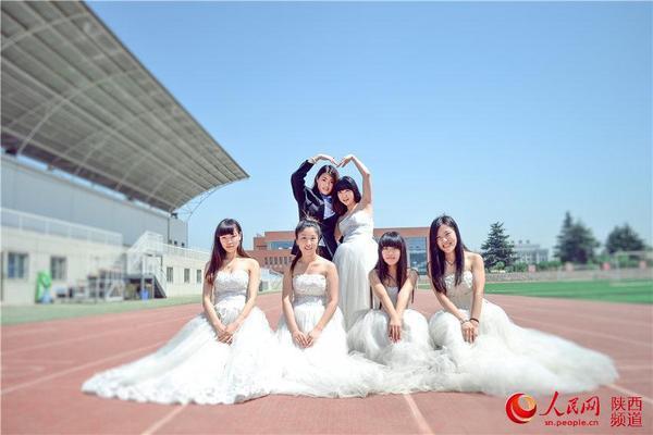 西安 大学生晒婚纱毕业照 高清大图