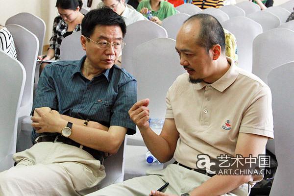 艺术评论家王鲁湘与白明在记者见面会现场
