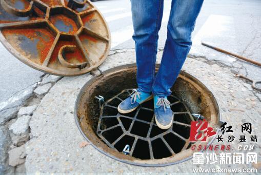 长沙县下水井盖安装铁网 防井口吞人