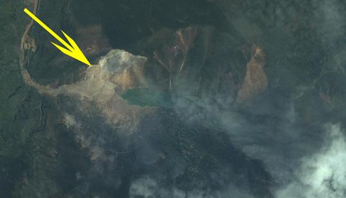 可以清晰的看到地震引发的山体滑坡和形成的堰塞湖(中国资源卫星应用