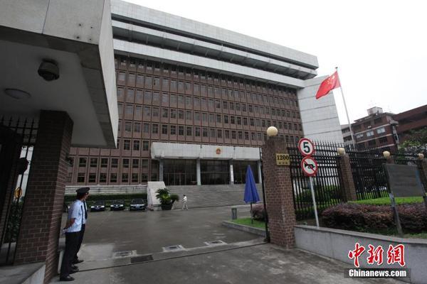 国产无码分享第一站_上海市第一中级人民法院外景.张亨伟 摄