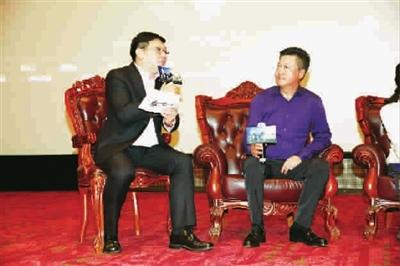■ 电影《触不可及》举行全国首次小范围点映,赵宝刚飞至上海宣传造势