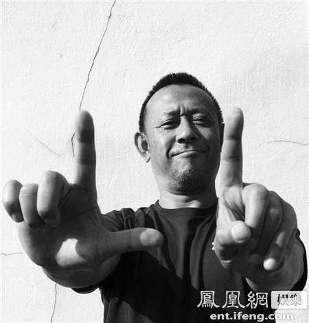 """《一步之遥》跨界联姻  姜文葛优领衔""""一步""""俱乐部"""