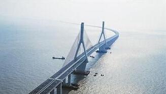 连接上海和洋山港的东海大桥
