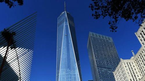 """在纽约著名的世贸双子塔在""""9·11""""恐怖袭击中被摧毁"""