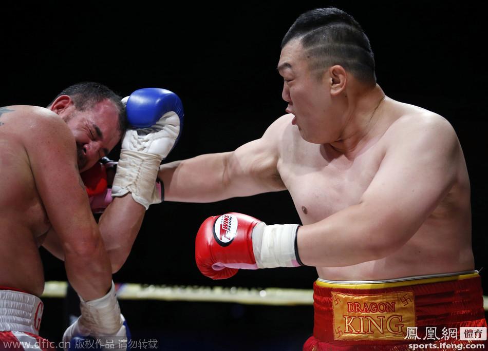 1米93中国拳王KO美国强敌 恩师霍利菲尔德助阵