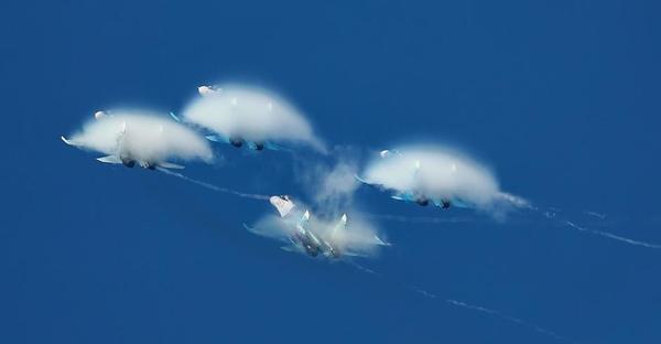 日报道,近日塔斯社盘点了一组2014年俄罗斯的军事类