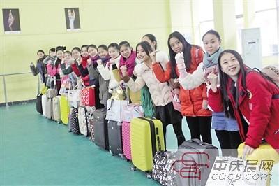 12月初,重庆市2015年普通高等 20351名艺术类考生分别参加美术