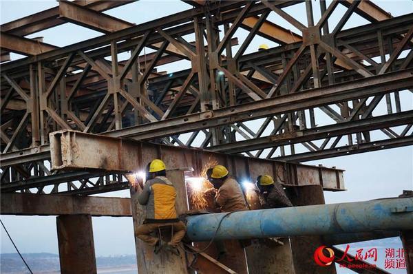 墩身完成20%,接线路基完成60%,t型桥梁己完成2孔吊装,现已完成总投资图片