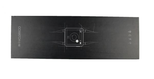 """""""筷子式""""的长条包装,纯黑色的包装盒略显逼格."""
