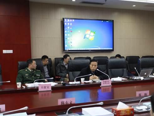 达梦公司董事长冯玉才在会上发言