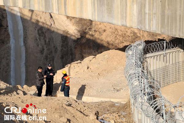 山西临汾铁路公安处加强高铁隐患a铁路线路排查丽江小视信频微图片