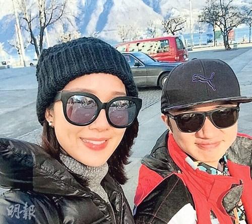 """""""明报""""消息,王祖蓝与太太李亚男2月14日举办婚礼后便展开欧洲"""