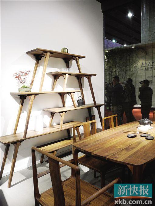 第35届广州家具展:水泥铁艺遭遇温暖实木:冰火交融最