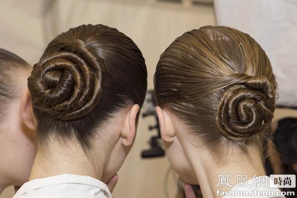 发型步骤 1