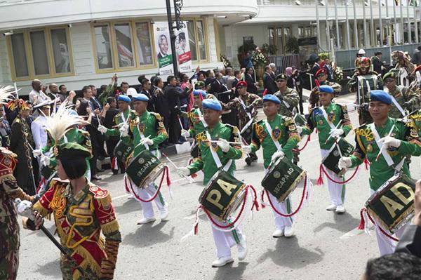 当地乐队参加万隆会议60周年纪念活动。