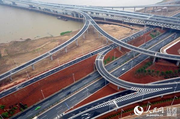 桥梁,也是南昌市重点开发地区朝阳新城和红角洲地区的一条快速通道.