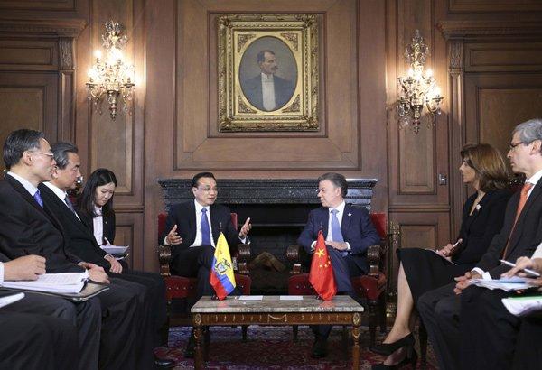 李克强总理在总统府与哥伦比亚总统桑托斯举行会谈。据中国政府网