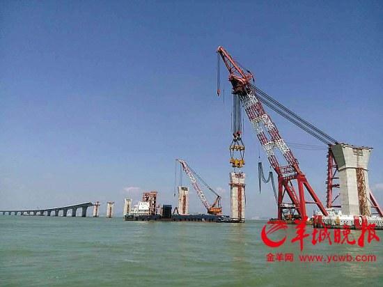 港珠澳大桥墩台安装完工