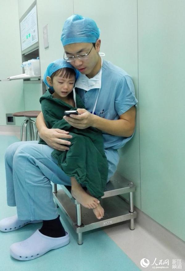 小护士与病人_手术室与医生叔叔一组暖心照片 ...