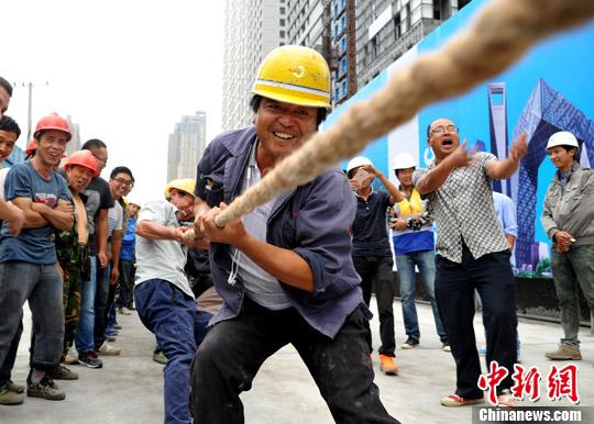 安徽农民工运动会乐翻天