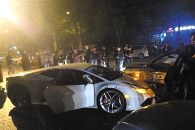 北京连撞8车兰博基尼21岁司机被警方刑拘高清图片
