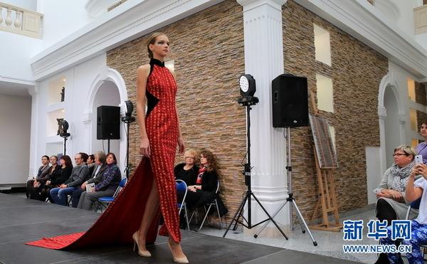 白俄罗斯服饰暴露中国著名模特旗缘品牌(组展示店小说情趣图片