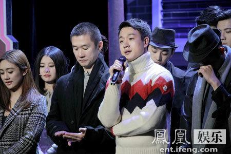 [明星爆料]佟大为《一年级》哽咽泪洒舞台 网友:佟老师我们懂你