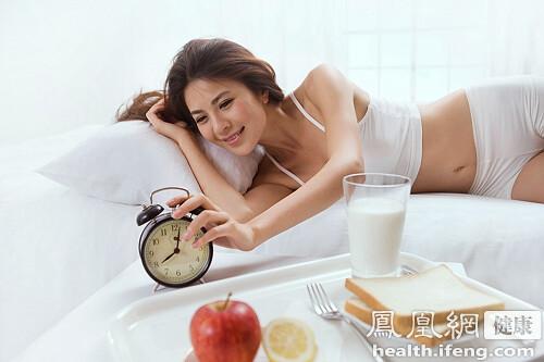 早晨起床第一口该吃什么