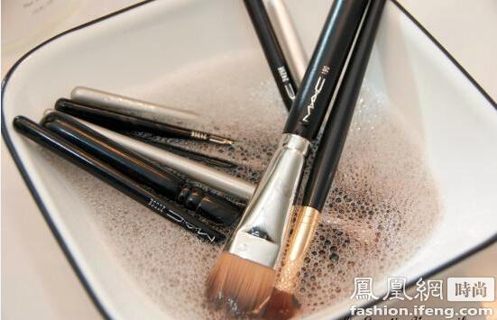 24化妆工具的认识图解