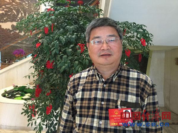 全国人大代表、安徽黄山市多维生物集团董事长陈光辉 (中国经济网记者郝红波 摄)