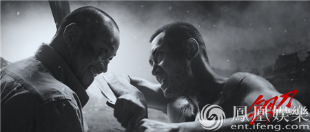 《钢刀》热映口碑发酵 中国首部风格化影片引热议