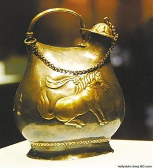 shaanxi museum & ndash; & ndash; Gold dancing horse bit cup grain imitation bag silver pot.