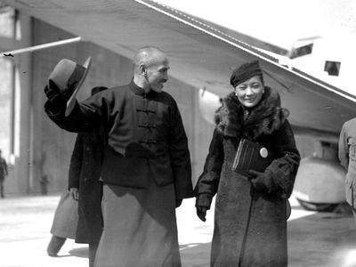 蒋介石和宋美龄(资料图)
