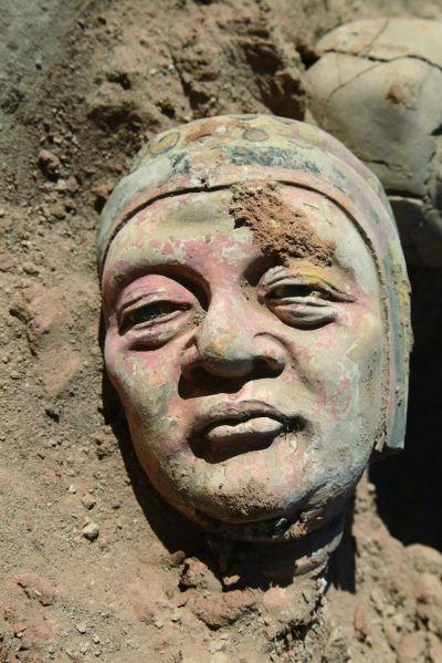 辽上京遗址出土的彩绘泥塑头部