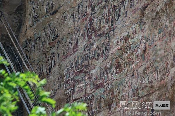 千年拉梢寺摩崖造像