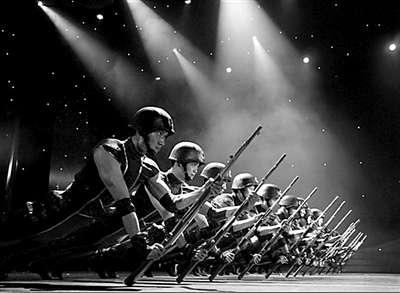 """总政歌舞团将携""""燃烧的舞步""""舞蹈盛典晚会来深,为第16届深圳大"""