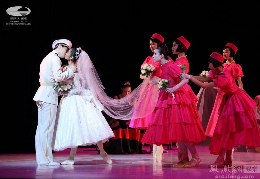 大剧院舞蹈节盛大闭幕 中芭精彩演绎 小美人鱼
