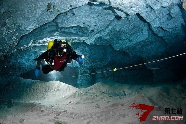 俄罗斯神秘的水下洞穴 长度居欧亚大陆第二