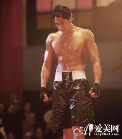 吴尊彭于晏尼坤 图揭男星们让人尖叫的好身材