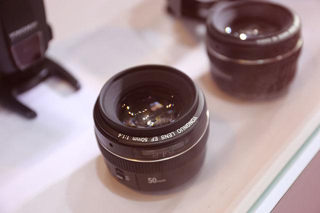 永诺EF卡口50mm f/1.4镜头曝光 近似佳能原厂