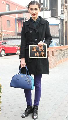中国国际时装周街拍 Prada手袋高调抢镜