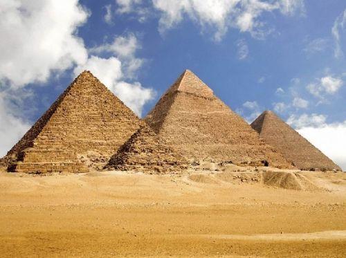 埃及金字塔. 法老是古埃及的国王,金字塔是法老的陵墓.法老为什么图片