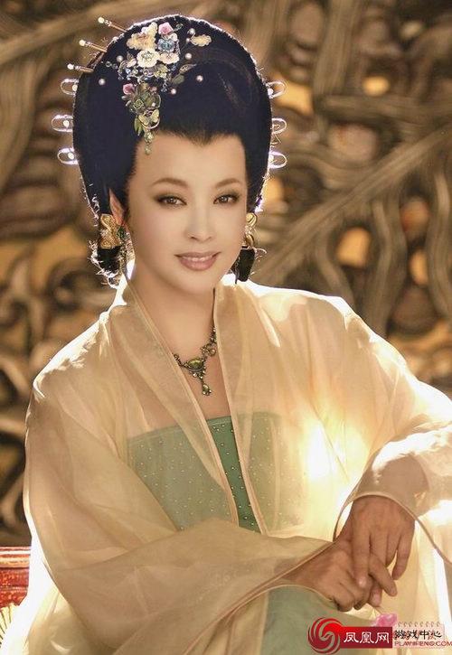 刘晓庆/重拍电视剧《三国演义》中的角色,曹丕