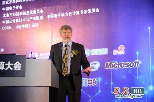 Intel云战略和规划总监Biily Cox