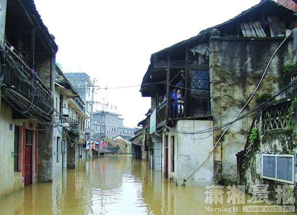 永州江华县发生山体滑坡导致2名学生死亡