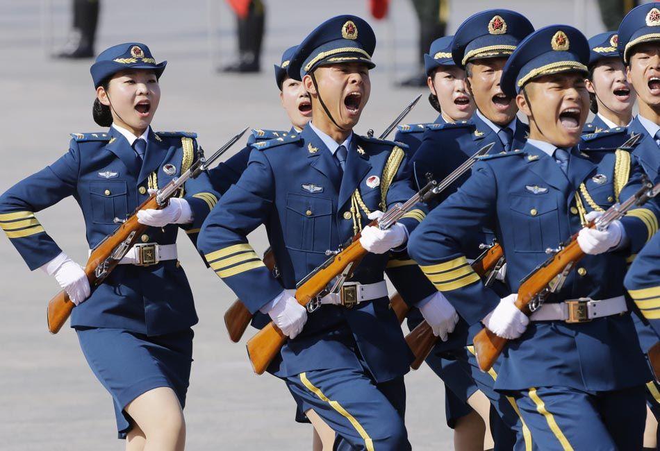 三军仪仗队首现女兵(1/13) -  东方.旭 - 东方.旭的博客
