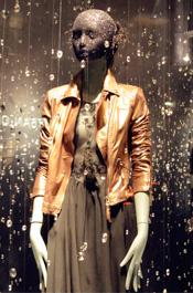 伦敦街头景:服装店的橱窗