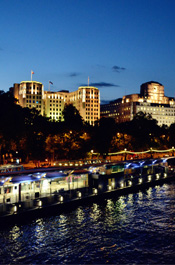 伦敦街头景:泰晤士河畔